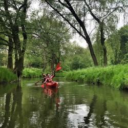 Spływ kajakowy rzeką Dłubnią