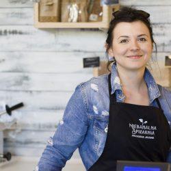 """Mistrzejowice z pasją: Agnieszka Zdeb. """"Nie żałuje żadnej chwili spędzonej w sklepie, gdzie spotykam mnóstwo wspaniałych, wartościowych osób."""""""