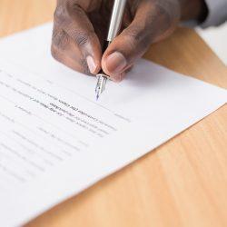 Dlaczego potrzebujesz pomocy prawnika przy zakupie lub sprzedaży domu?